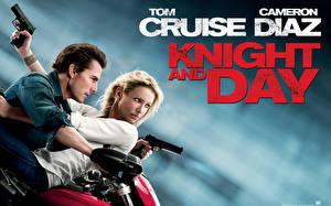 Фото Том Круз Cameron Diaz Пистолеты Мужчины Knight Day Фильмы Знаменитости Девушки