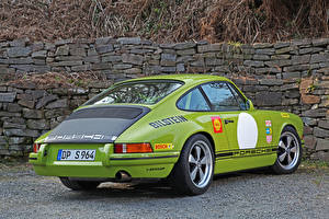 Картинки Porsche Стайлинг Салатовые Вид сзади Металлик 2014 DP Motorsport 964 Classic S (based on Porsche 911 964 Carrera) машина