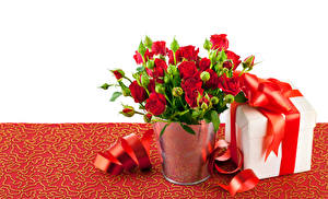 Картинки Розы Много Красный Подарки Бантик Цветы