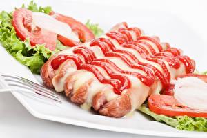 Картинка Мясные продукты Сосиска Помидоры Кетчуп Еда