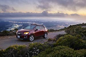 Фотографии Chevrolet Бордовый Металлик 2012 Trax Машины