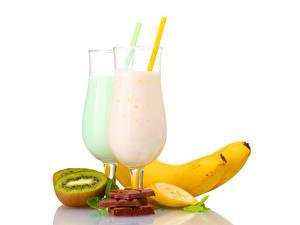 Фото Напитки Коктейль Бананы Киви Шоколад Бокал Еда