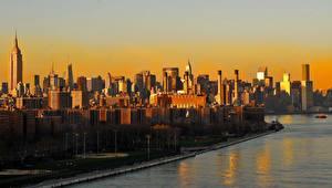 Фотографии Штаты Небоскребы Речка Нью-Йорк город