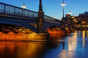 Фотографии Швеция Здания Мосты Река Стокгольм Ночью Уличные фонари