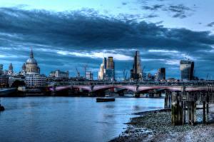 Фото Англия Дома Реки Мосты Небо HDRI Лондоне Облачно город