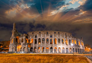 Картинка Италия Известные строения Развалины Небо Колизей Рим Арка Города
