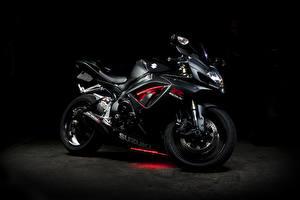 Обои Suzuki GSX-R 750 Мотоциклы фото