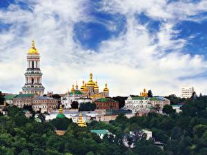 Картинки Украина Храмы Небо Киeво-Печерская лавра Киев Города