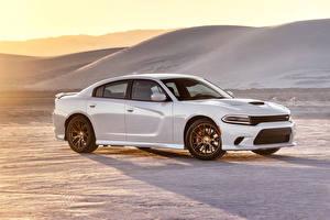 Фотографии Dodge Стайлинг Белых 2015 Charger SRT Hellcat Автомобили