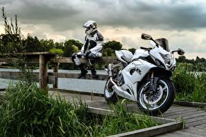 Обои Suzuki Спортбайк Мотоциклист gsx-r Мотоциклы фото