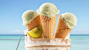 Фото Мороженое Киви Вблизи Вафельный рожок Еда
