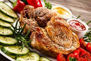 Картинки Мясные продукты Огурцы Томаты Кетчуп Еда