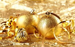 Обои Праздники Новый год Вблизи Шарики Золотая