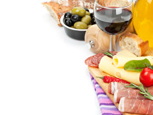 Картинки Натюрморт Вино Ветчина Сыры Бокалы Продукты питания