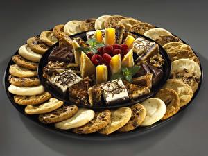 Обои Сладости Печенье Конфеты Пирожное Малина Еда фото