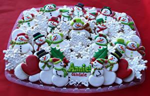 Обои Праздники Новый год Выпечка Печенье Дизайн Снеговики Еда фото