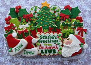 Фотография Праздники Новый год Выпечка Печенье Елка Шапки Дед Мороз Еда