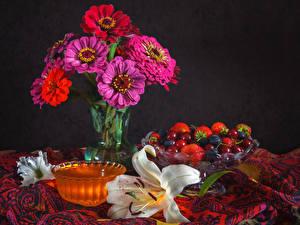 Фото Натюрморт Майоры Лилии Фрукты Цветы