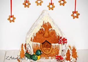 Картинки Праздники Рождество Выпечка Дома Пряничный домик Снежинки Пища