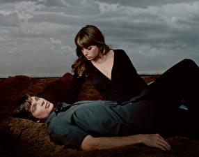 Обои для рабочего стола Erica Durance Том Уэллинг Два Smallville 2001 – 2011 Фильмы Знаменитости Девушки