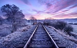 Фотографии Рассветы и закаты Железные дороги Небо Деревьев Рельсы Природа