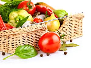 Фотография Овощи Томаты Перец овощной Корзина Продукты питания