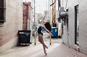 Обои Гимнастика Брюнетка Кирпичный Стена Балет Девушки Спорт фото