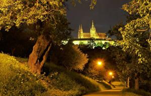 Картинки Чехия Прага Замки Дороги Ночь Уличные фонари Города