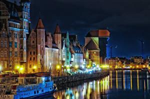 Картинки Польша Дома Речка Гданьск Ночь Уличные фонари