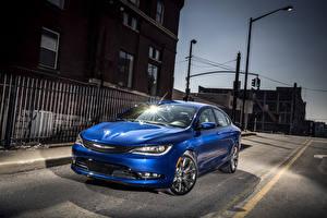 Фотография Chrysler Голубой Металлик Улиц Ночью 2015 200 S