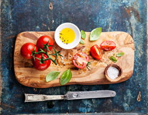 Обои Овощи Помидоры Приправы Нож Листья Разделочная доска Продукты питания