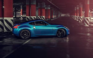 Картинки Nissan Парковка Сбоку Голубая 370z Автомобили