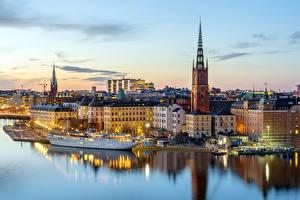 Обои для рабочего стола Швеция Здания Река Стокгольм город