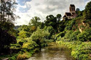 Фотографии Франция Река Дома HDR Деревья Кустов Saint Ceneri le Gerei Природа