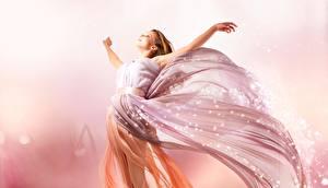 Фотография Платья Розовый Девушки