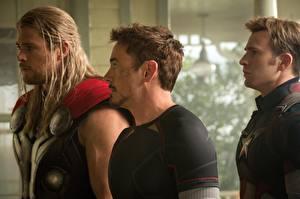 Картинки Тор герой Капитан Америка герой Robert Downey Jr Chris Evans Chris Hemsworth Vingadores: Era de Ultron, 2015 Фильмы Знаменитости