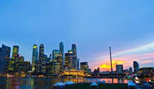 Фотография Сингапур Небоскребы Речка Рассвет и закат Здания город