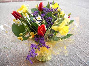 Картинки Букеты Тюльпан Нарциссы цветок