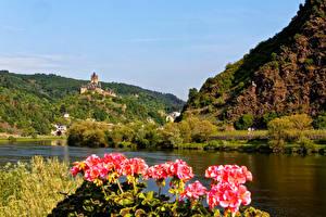 Картинки Германия Речка Горы Бегония Кохем Природа