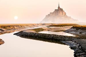 Фотография Франция Крепость Рассветы и закаты Небо Mont Saint-Michel Города Природа