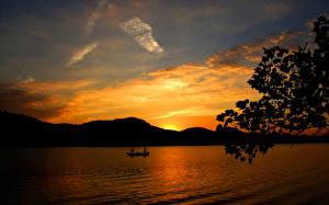 Обои Рыбалка Небо Лодки Рассветы и закаты Озеро Горы Природа