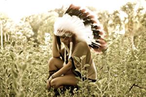 Фото Перья Индейский головной убор Индейцы Трава Девушки