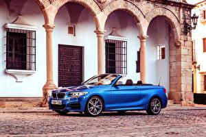 Фотография BMW Кабриолета Сбоку Синий Улица 2015 M235i UK-spec F23 авто