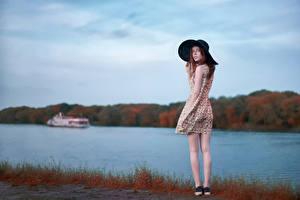 Картинка Река Небо Платье Шляпа Catherine Yasnogorodsky, Alexander Vinogradov Девушки