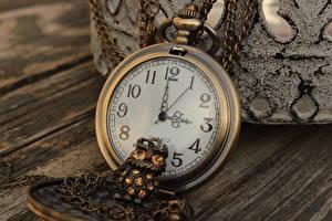 Фотографии Часы Карманные часы Ретро Крупным планом