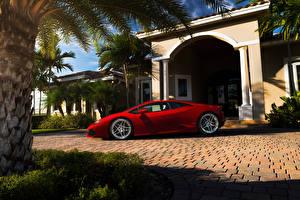 Фото Дома Ламборгини Сбоку Пальмы Красный Дорогие Huracan Автомобили