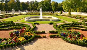 Картинки Сады Польша Фонтаны Газон Branicki Palace Bialystok Города