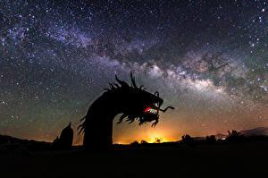 Картинка Драконы Звезды Рассветы и закаты Небо Млечный Путь Ночные Космос