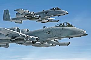 Картинки Самолеты Небо A-10 Thunderbolt II Штурмовики Вдвоем Полет HDR Армия