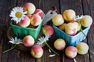 Обои Фрукты Персики Ромашки Еда